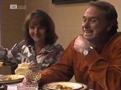 Pam Willis, Doug Willis in Neighbours Episode 2202