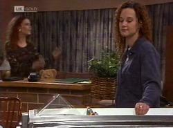 Gaby Willis, Cody Willis in Neighbours Episode 2204