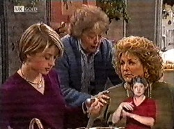 Danni Stark, Marlene Kratz, Cheryl Stark in Neighbours Episode 2212