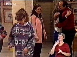 Hannah Martin, Julie Martin, Debbie Martin, Philip Martin in Neighbours Episode 2212