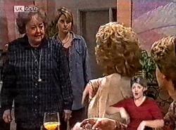 Marlene Kratz, Danni Stark, Cheryl Stark, Brett Stark in Neighbours Episode 2212