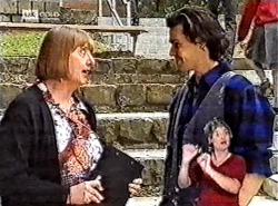 Anne Teschendorff, Sam Kratz in Neighbours Episode 2213