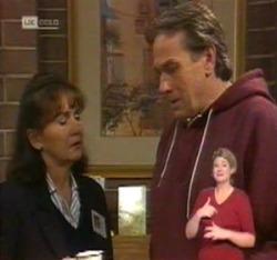 Pam Willis, Doug Willis in Neighbours Episode 2215