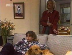 Hannah Martin, Holly, Helen Daniels in Neighbours Episode 2219