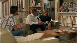 Jesse Porter, Paul Robinson, Terese Willis, Roxy Willis, Harlow Robinson in Neighbours Episode 8658