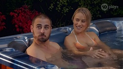 Kyle Canning, Roxy Willis in Neighbours Episode 8664