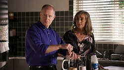 Clive Gibbons, Jane Harris in Neighbours Episode 8666