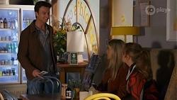 Jesse Porter, Roxy Willis, Harlow Robinson in Neighbours Episode 8666