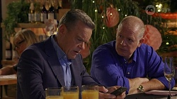 Paul Robinson, Clive Gibbons in Neighbours Episode 8666