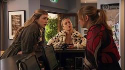 Mackenzie Hargreaves, Roxy Willis, Harlow Robinson in Neighbours Episode 8671