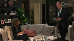 Jane Harris, Clive Gibbons in Neighbours Episode 8672