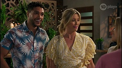Levi Canning, Amy Greenwood, Kyle Canning, Roxy Willis in Neighbours Episode 8674