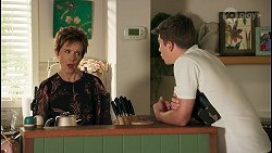 Susan Kennedy, Hendrix Greyson in Neighbours Episode 8674