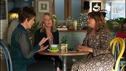 Susan Kennedy, Melanie Pearson, Terese Willis in Neighbours Episode 8677