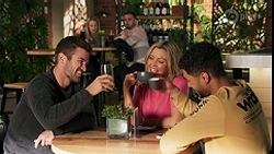 Ned Willis, Roxy Willis, Kyle Canning, Amy Greenwood, Levi Canning in Neighbours Episode 8678