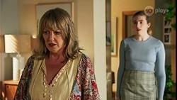 Melanie Pearson, Mackenzie Hargreaves in Neighbours Episode 8678