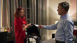Nicolette Stone, Isla Tanaka-Brennan, Paul Robinson in Neighbours Episode 8681