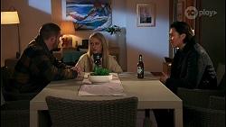 Kyle Canning, Roxy Willis, Leo Tanaka in Neighbours Episode 8682