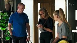 Clive Gibbons, Jane Harris, Chloe Brennan in Neighbours Episode 8682