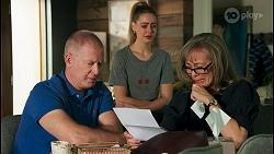 Clive Gibbons, Chloe Brennan, Jane Harris in Neighbours Episode 8682