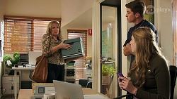 Melanie Pearson, Hendrix Greyson, Mackenzie Hargreaves in Neighbours Episode 8685