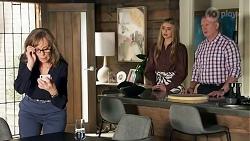Jane Harris, Chloe Brennan, Clive Gibbons in Neighbours Episode 8689