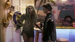 Mackenzie Hargreaves, Hendrix Greyson in Neighbours Episode 8690