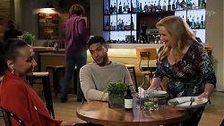 Evelyn Farlow, Levi Canning, Sheila Canning in Neighbours Episode 8690