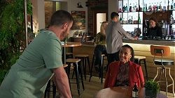 Kyle Canning, Roxy Willis, Levi Canning, Evelyn Farlow in Neighbours Episode 8691