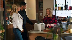 Amy Greenwood, Levi Canning, Sheila Canning in Neighbours Episode 8708