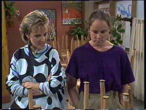 Daphne Clarke, Kelly Morgan in Neighbours Episode 0408