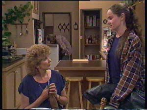Madge Mitchell, Kelly Morgan in Neighbours Episode 0408