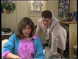 Paul Robinson, Susan Cole in Neighbours Episode 0408