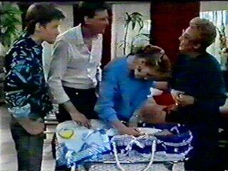 Mike Young, Des Clarke, Daphne Clarke, Jamie Clarke, Eileen Clarke in Neighbours Episode 0552
