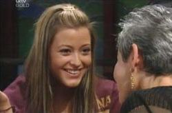 Chloe Lambert, Felicity Scully in Neighbours Episode 4132