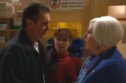 Karl Kennedy, Susan Kennedy, Rosie Hoyland in Neighbours Episode 4135