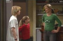 Steph Scully, Summer Hoyland, Boyd Hoyland in Neighbours Episode 4135