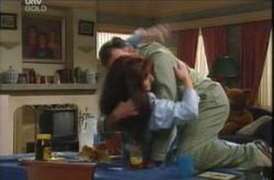 Susan Kennedy, Karl Kennedy in Neighbours Episode 4136