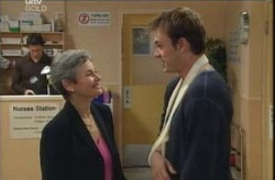 Chloe Lambert, Stuart Parker in Neighbours Episode 4137