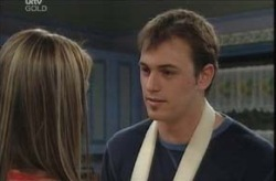 Stuart Parker, Felicity Scully in Neighbours Episode 4137