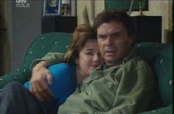 Joe Scully, Lyn Scully in Neighbours Episode 4138
