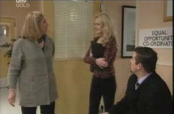 Julie Jones, Dee Bliss, Toadie Rebecchi in Neighbours Episode 4138