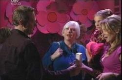 Max Hoyland, Rosie Hoyland, Summer Hoyland, Steph Scully in Neighbours Episode 4140