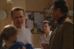 Summer Hoyland, Max Hoyland, Martin Cook in Neighbours Episode 4141