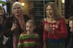 Rosie Hoyland, Steph Scully, Summer Hoyland in Neighbours Episode 4145