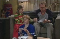Boyd Hoyland, Summer Hoyland, Max Hoyland in Neighbours Episode 4146