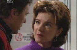 Joe Scully, Lyn Scully in Neighbours Episode 4148