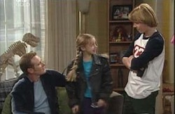 Summer Hoyland, Boyd Hoyland, Max Hoyland in Neighbours Episode 4150