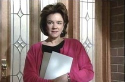 Lyn Scully in Neighbours Episode 4151