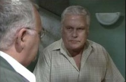 Lou Carpenter, Harold Bishop in Neighbours Episode 4151